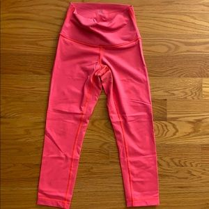 Lululemon BRIGHT coral Wunder Under / size 4.